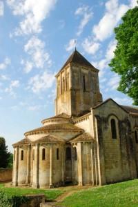 Eglise Romane Saint-Hilaire