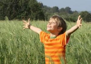 enfants-nes-etre-heureux